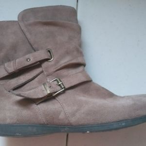 ID Required Short Boots 9.5W